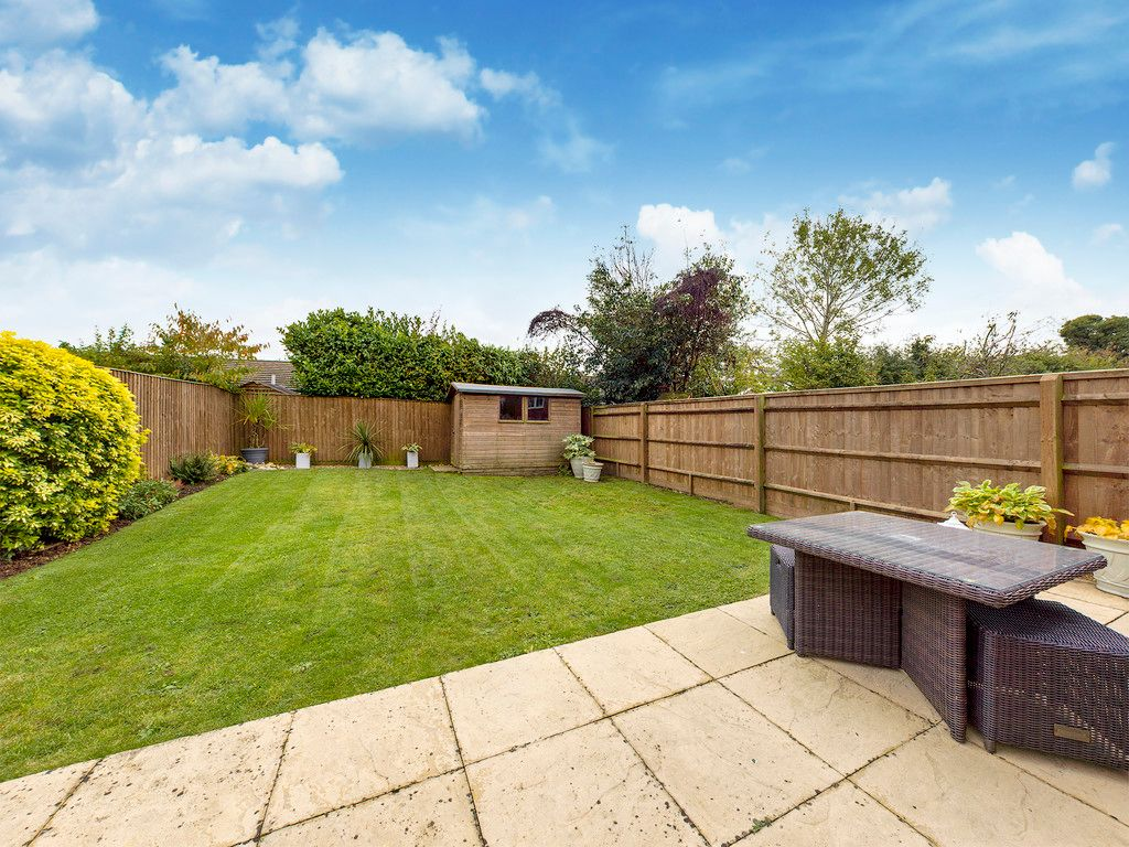 4 bed house for sale in Holmer Green, High Wycombe  - Property Image 2