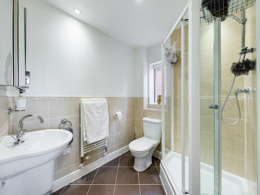 4 bed house for sale in Holmer Green, High Wycombe  - Property Image 11