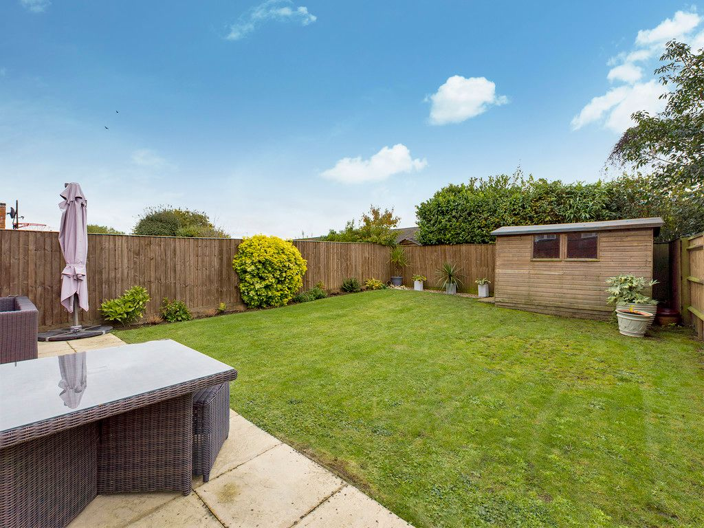 4 bed house for sale in Holmer Green, High Wycombe 12