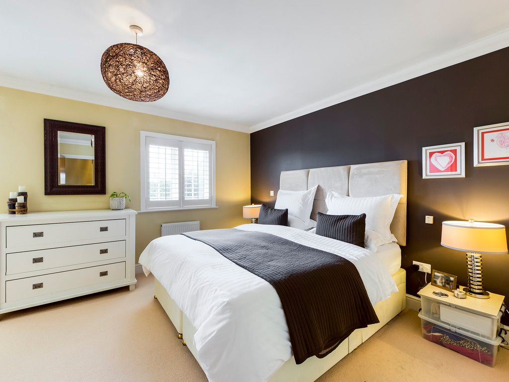 4 bed house for sale in Holmer Green, High Wycombe 5