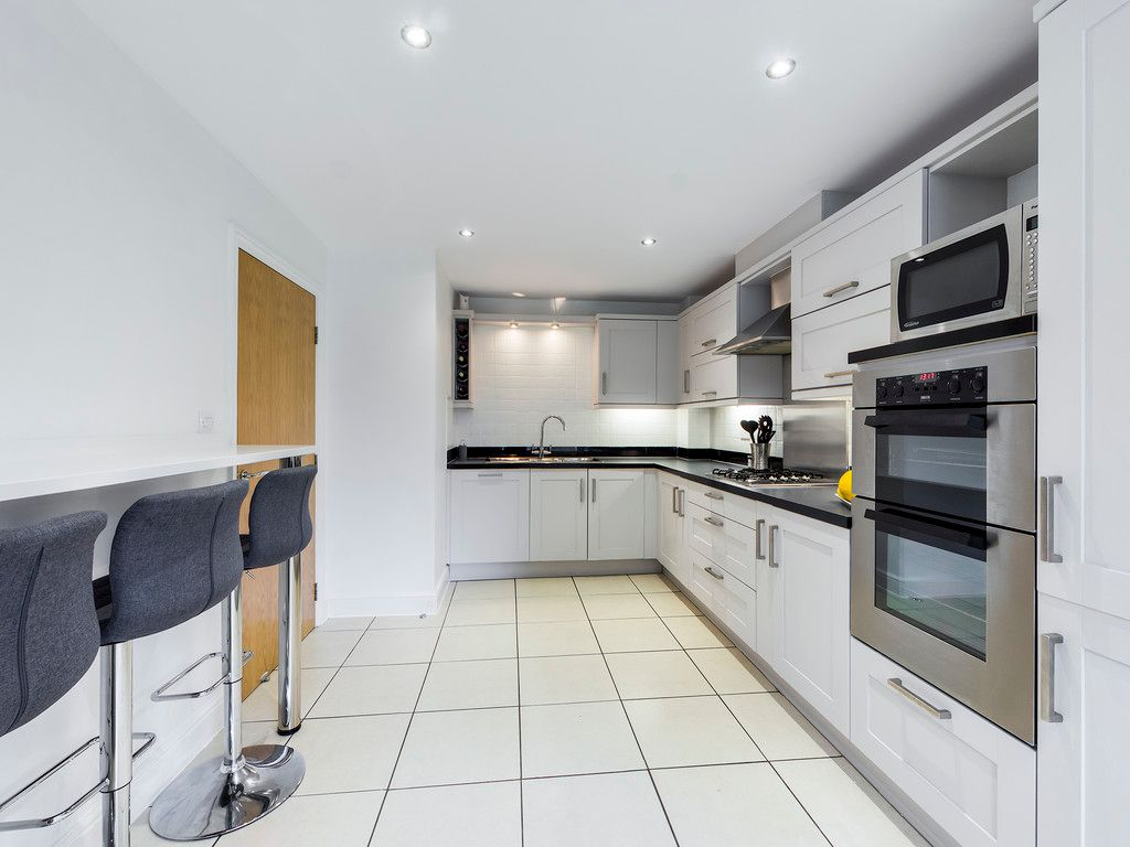 4 bed house for sale in Holmer Green, High Wycombe 9