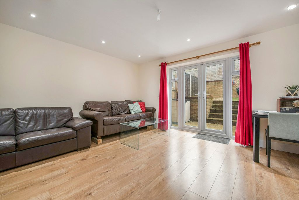 4 bed house for sale in Kingsmead Road, High Wycombe  - Property Image 15
