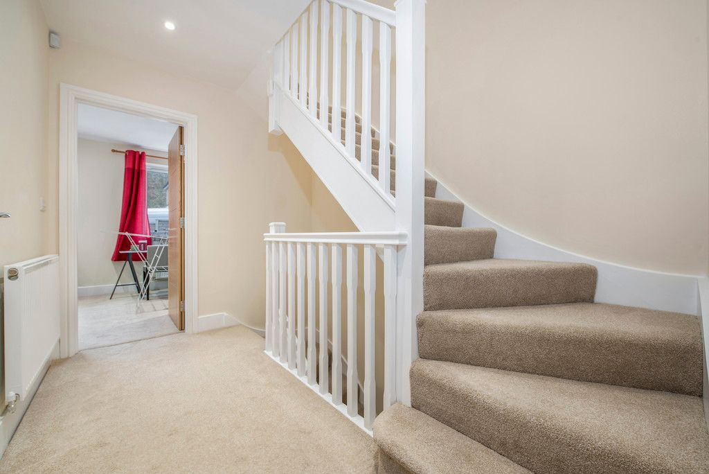 4 bed house for sale in Kingsmead Road, High Wycombe  - Property Image 16