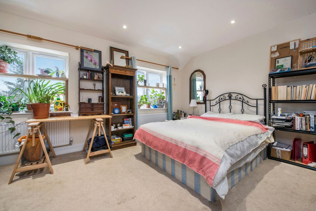 4 bed house for sale in Kingsmead Road, High Wycombe  - Property Image 6