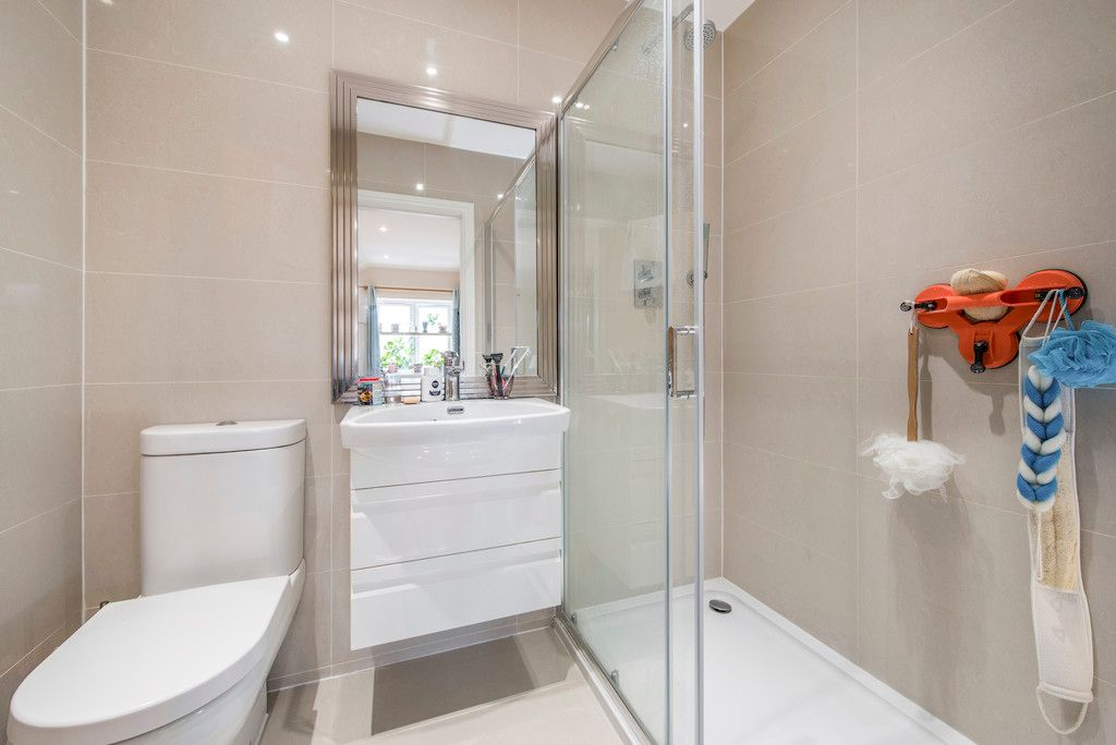 4 bed house for sale in Kingsmead Road, High Wycombe  - Property Image 8