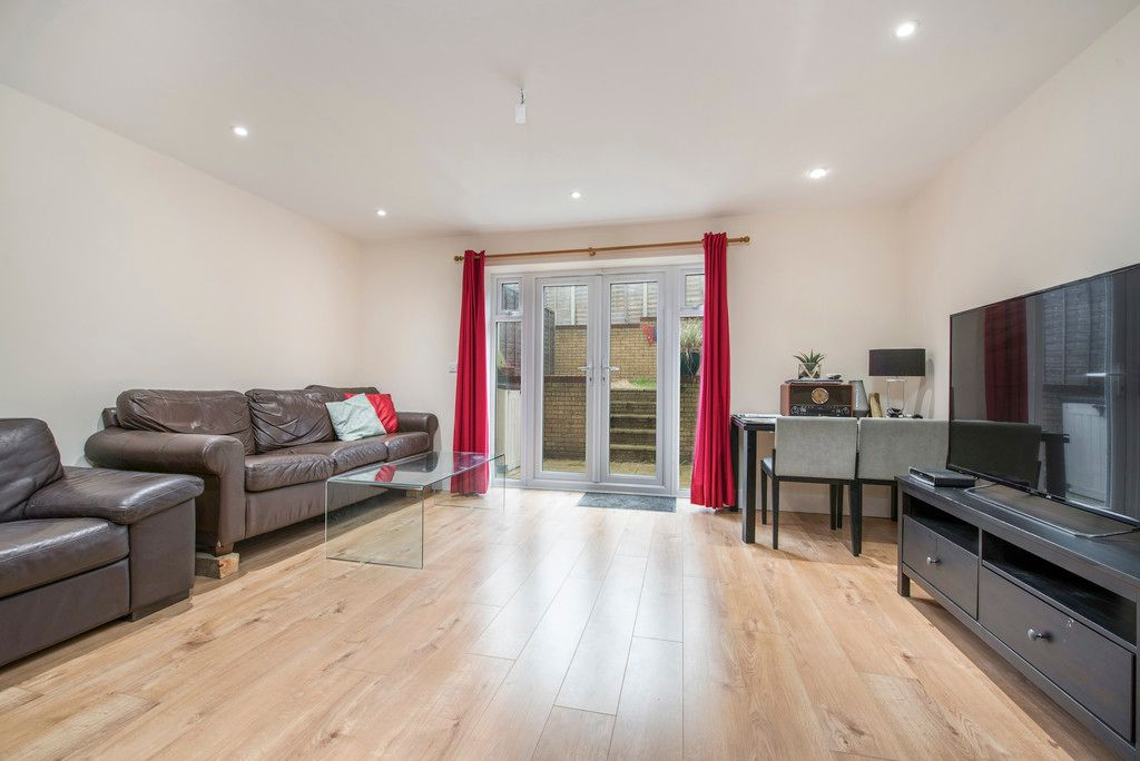 4 bed house for sale in Kingsmead Road, High Wycombe  - Property Image 9