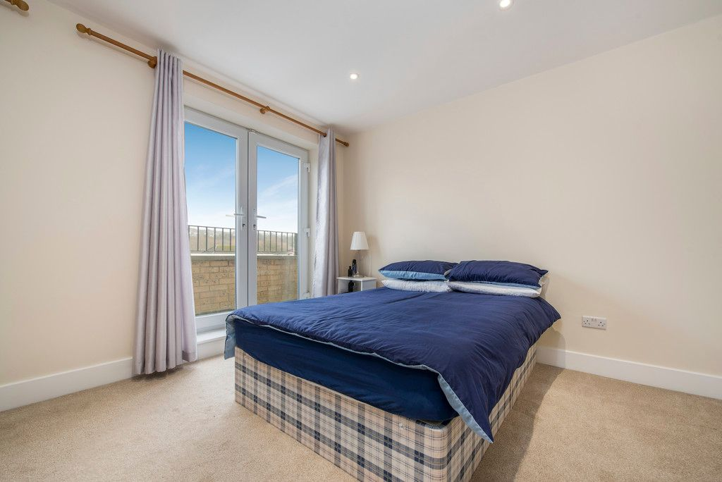 4 bed house for sale in Kingsmead Road, High Wycombe  - Property Image 10