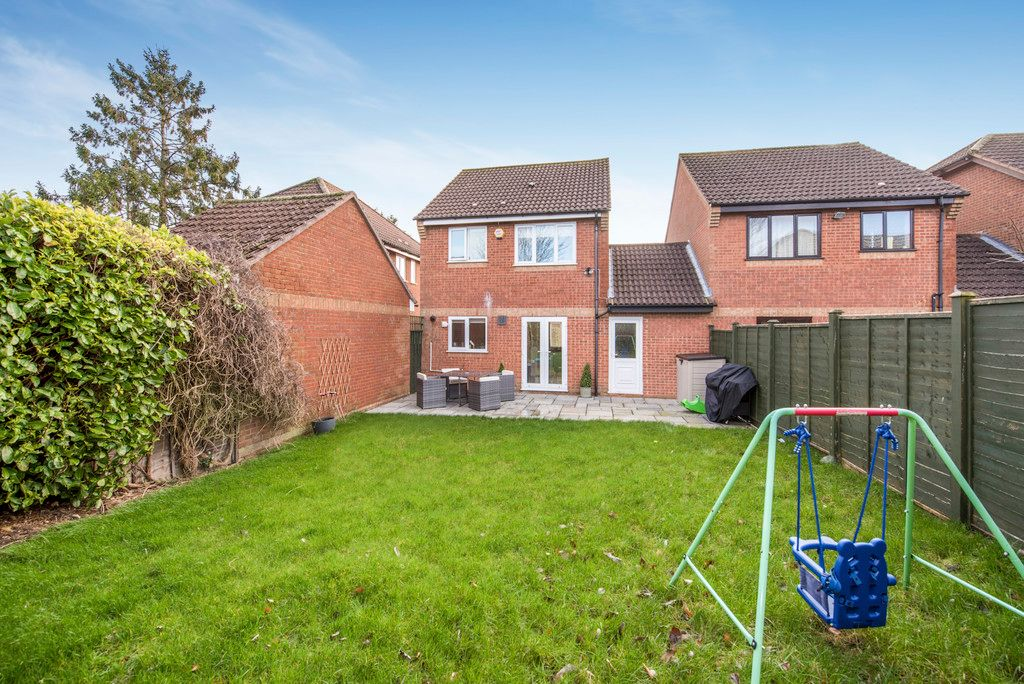3 bed house for sale in Briarswood, Hazlemere  - Property Image 15