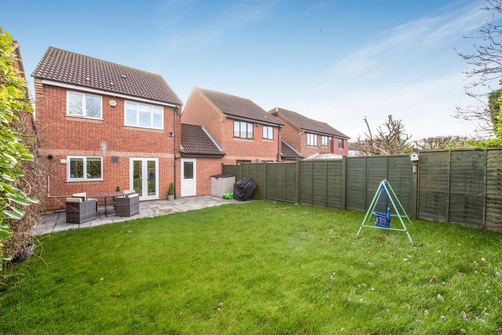 3 bed house for sale in Briarswood, Hazlemere  - Property Image 3