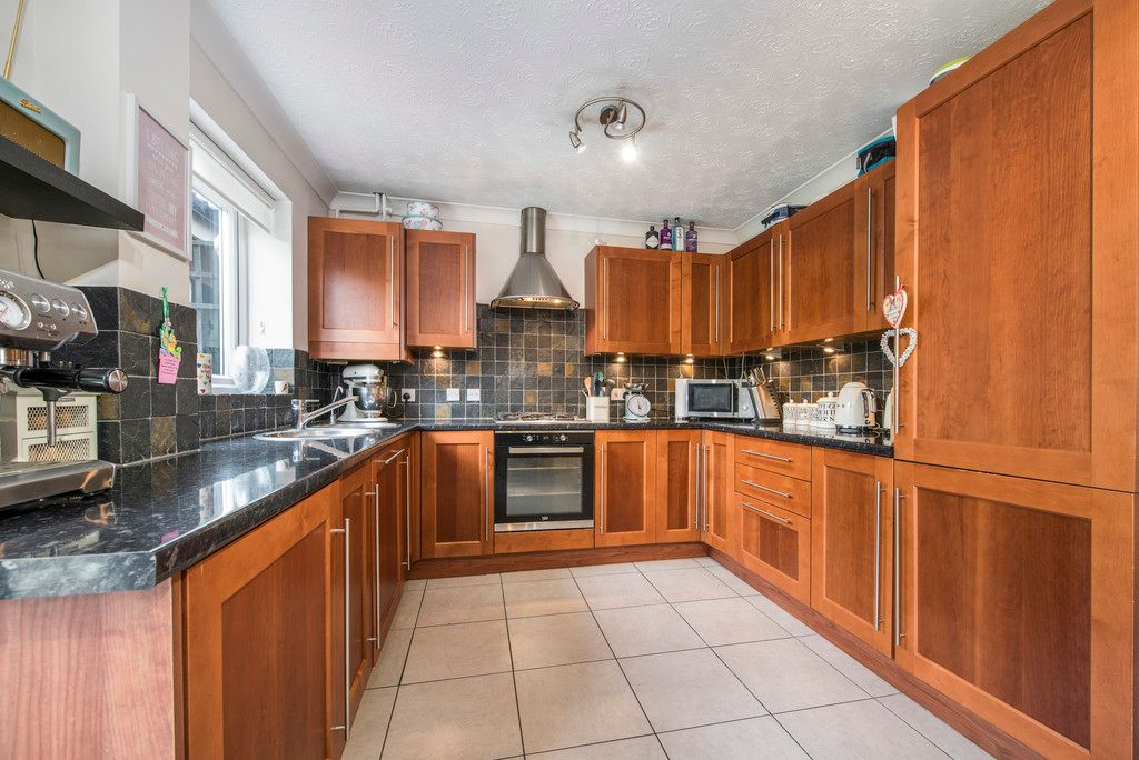 3 bed house for sale in Briarswood, Hazlemere  - Property Image 4