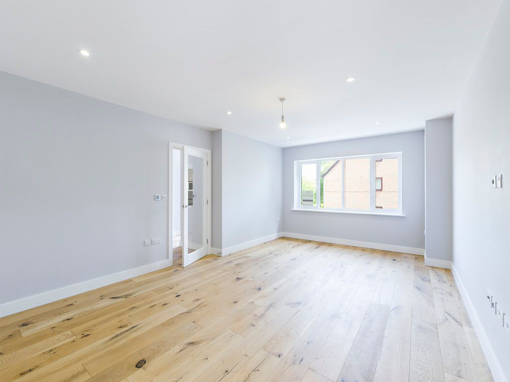4 bed house for sale in Plot 1 Windrush Place 4