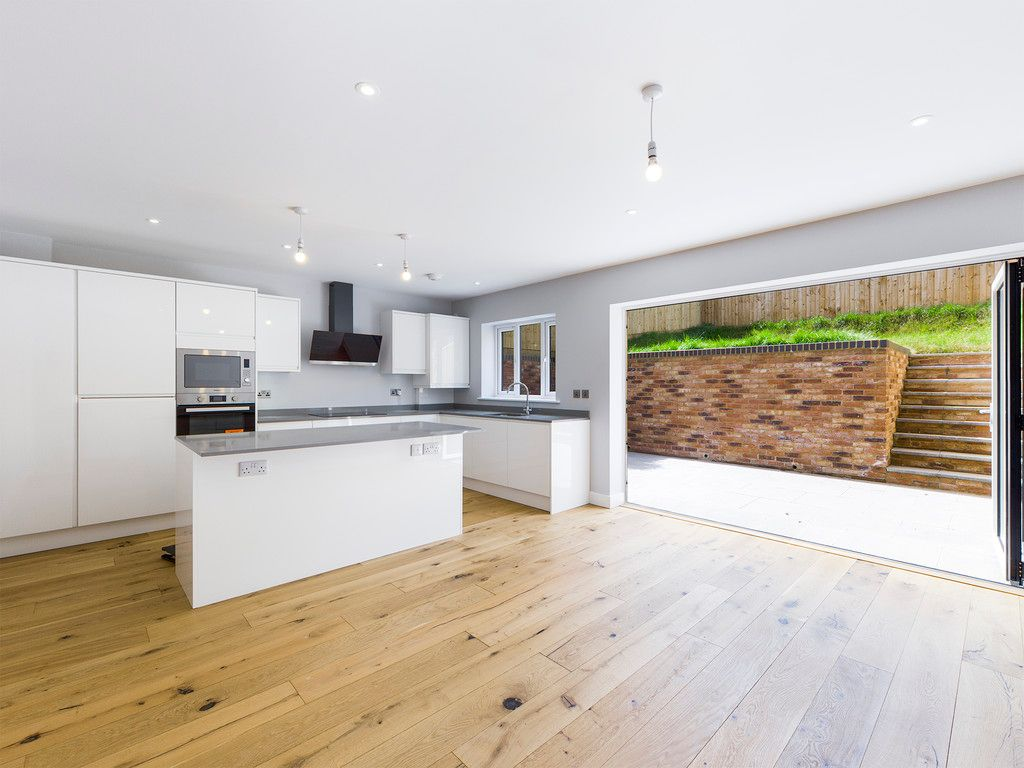 4 bed house for sale in Plot 1 Windrush Place 5