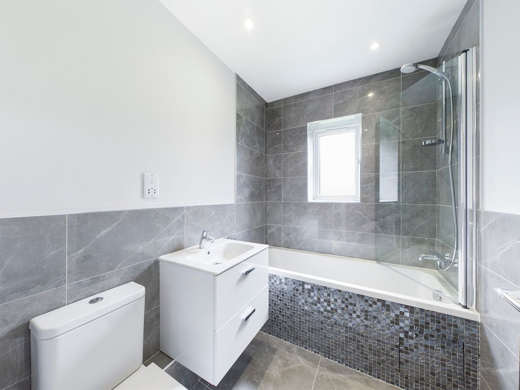 4 bed house for sale in Plot 1 Windrush Place 9