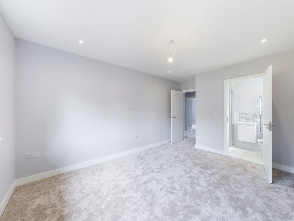 4 bed house for sale in Plot 1 Windrush Place 10