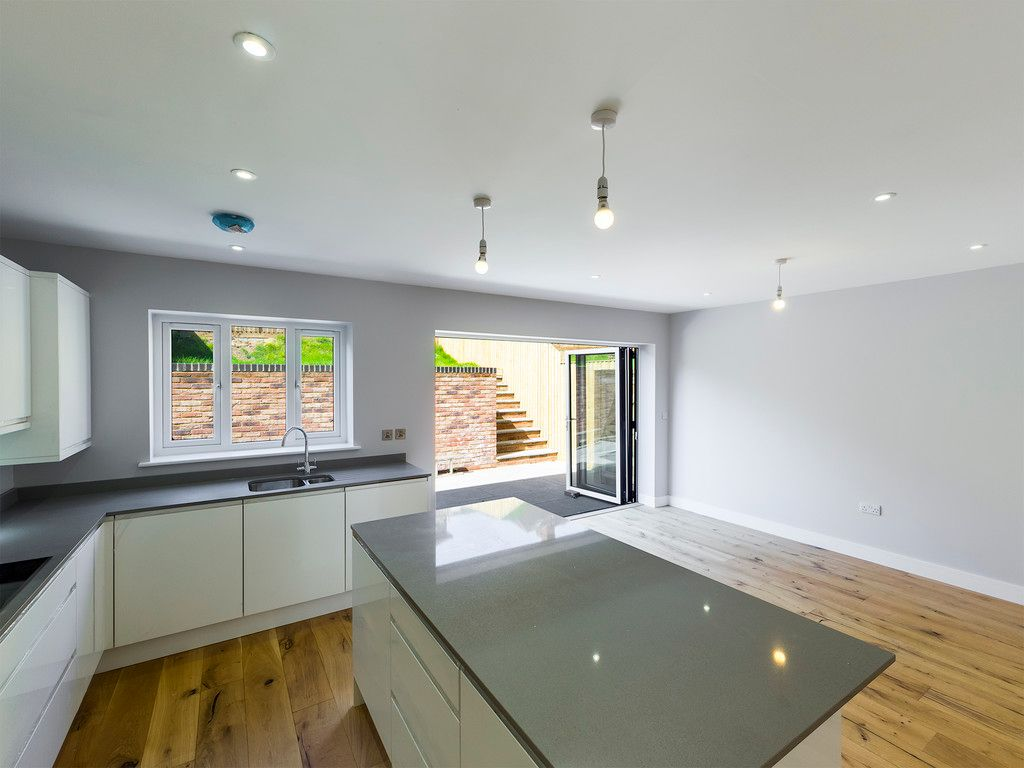 4 bed house for sale in 61 Windrush Court 2