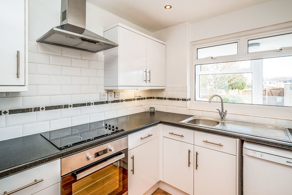 3 bed house to rent in Wellfield, Hazlemere, High Wycombe  - Property Image 2