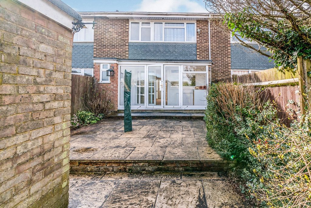 3 bed house to rent in Wellfield, Hazlemere, High Wycombe 12