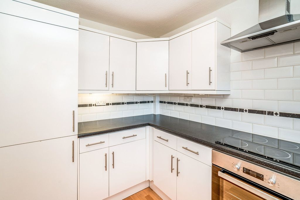 3 bed house to rent in Wellfield, Hazlemere, High Wycombe  - Property Image 3