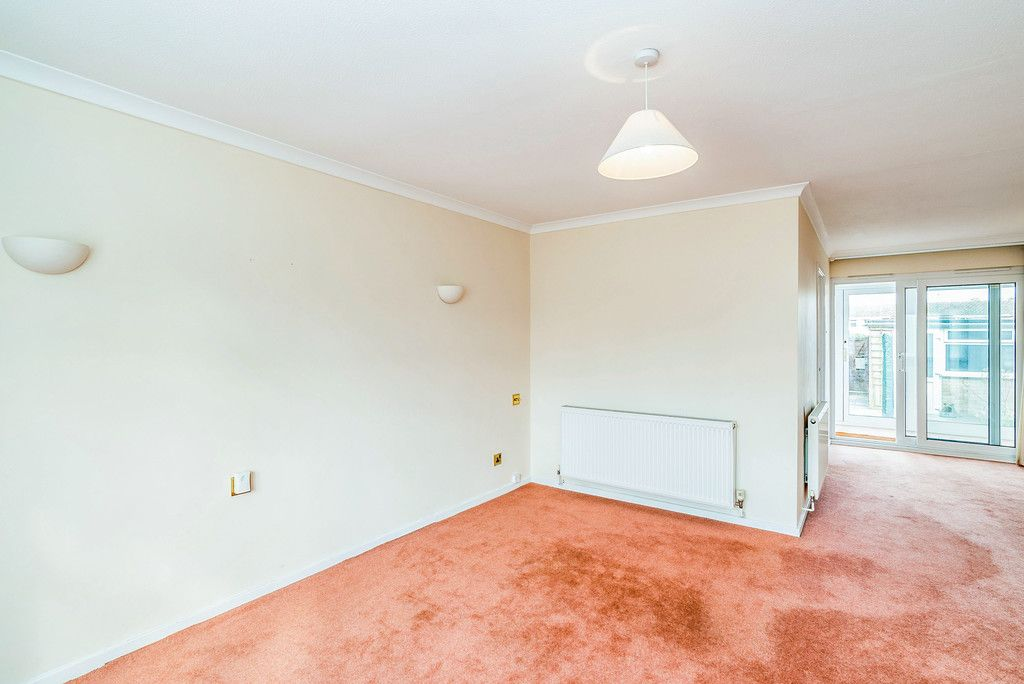 3 bed house to rent in Wellfield, Hazlemere, High Wycombe  - Property Image 4