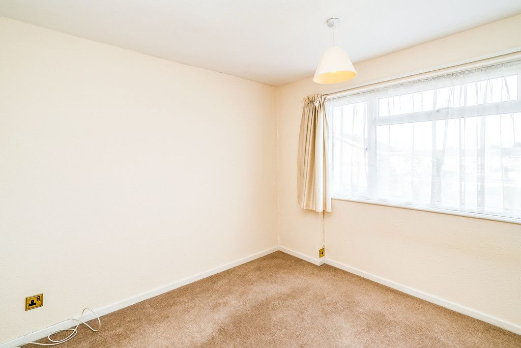 3 bed house to rent in Wellfield, Hazlemere, High Wycombe 7