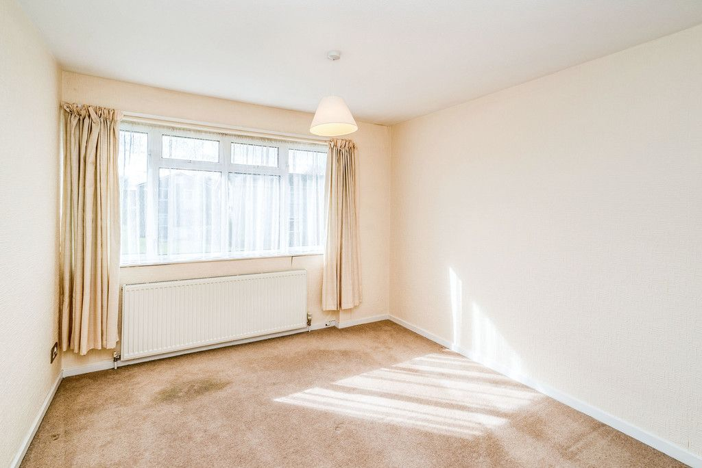 3 bed house to rent in Wellfield, Hazlemere, High Wycombe  - Property Image 8