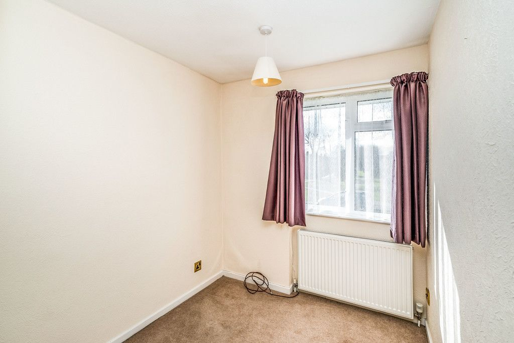 3 bed house to rent in Wellfield, Hazlemere, High Wycombe 9