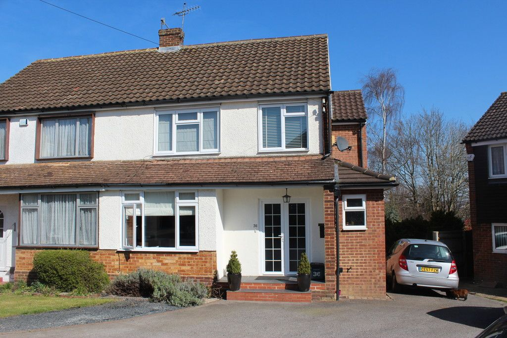 3 bed house for sale in Mount Close, High Wycombe, HP12
