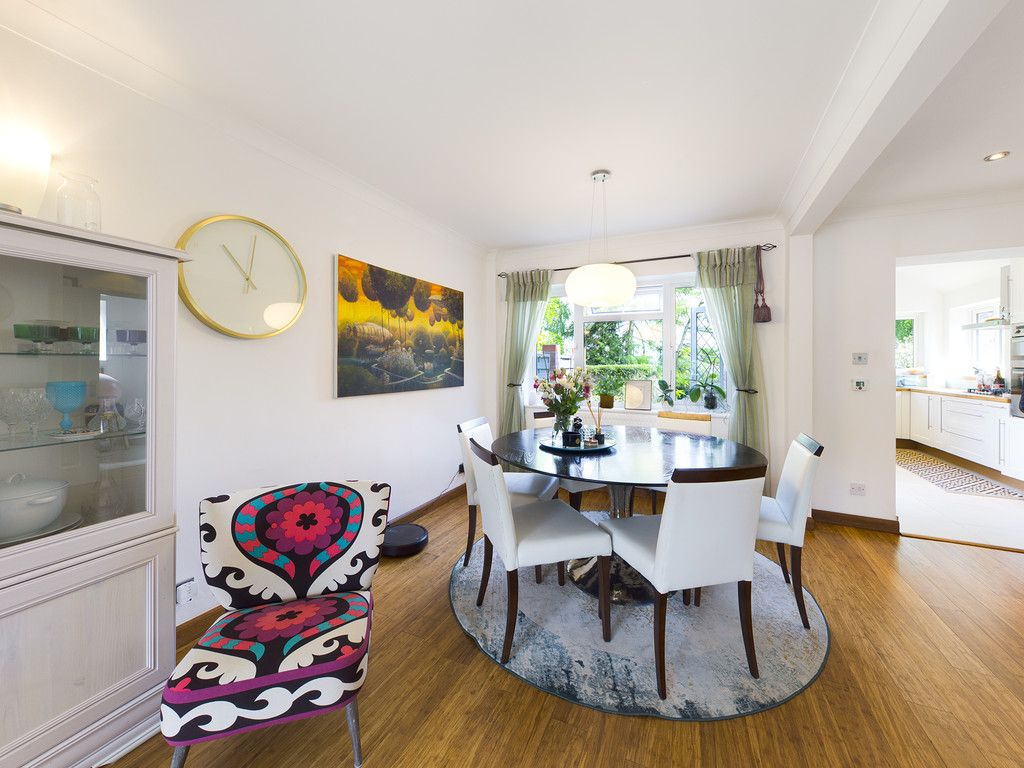 3 bed house for sale in Mount Close, High Wycombe  - Property Image 14