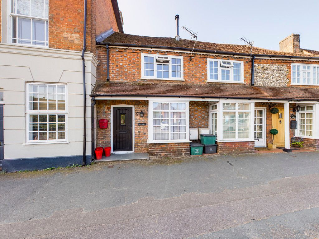 2 bed house for sale in High Street, Lane End, HP14