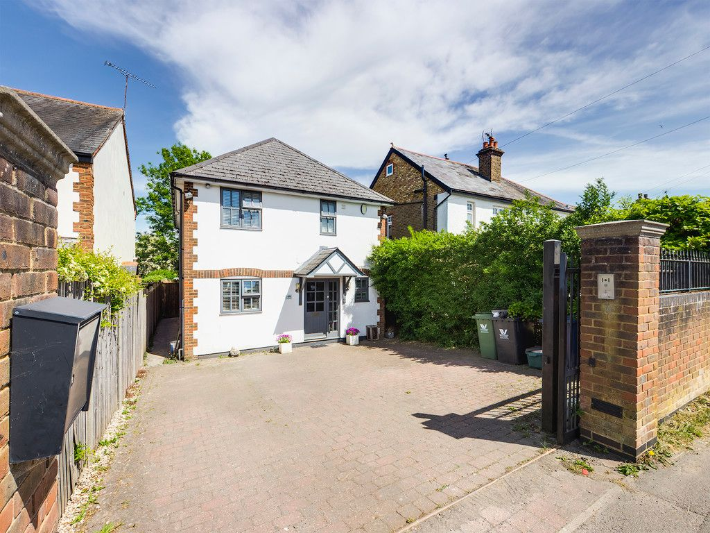 4 bed house for sale in St. Johns Road, Penn, HP10