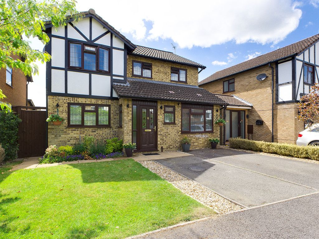 4 bed house for sale in Clayfields, Penn, HP10