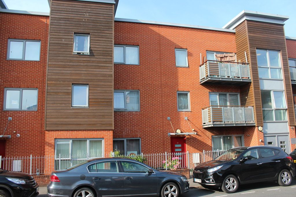 2 bed flat for sale in Guildmaster Court, West End Road, HP11