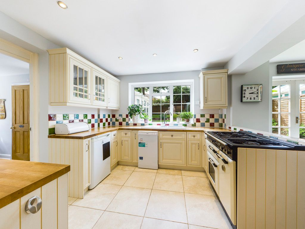 3 bed house for sale in Littleworth Road, Downley  - Property Image 10