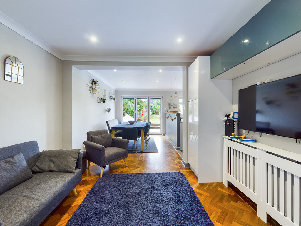 4 bed house for sale in Cedar Avenue, Hazlemere 5