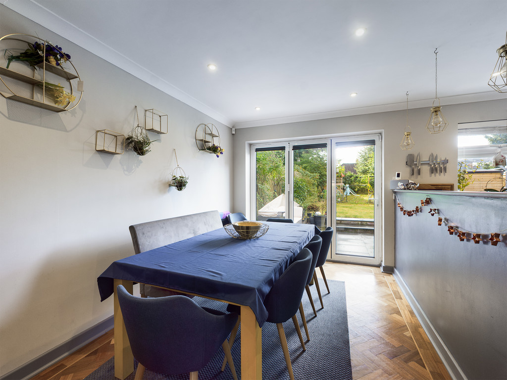 4 bed house for sale in Cedar Avenue, Hazlemere 6