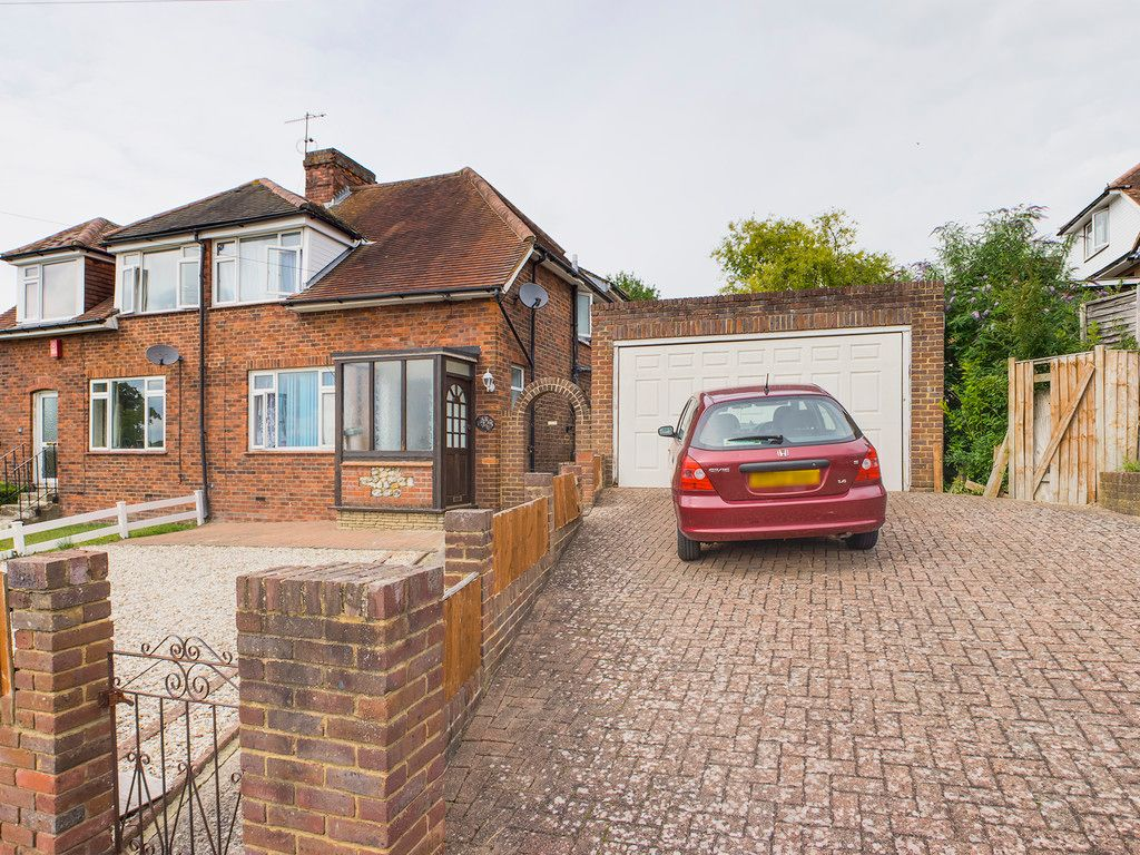 2 bed house for sale in South Drive, High Wycombe, HP13