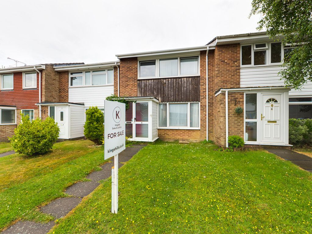 3 bed house for sale in Lowfield Way, Hazlemere, High Wycombe, HP15
