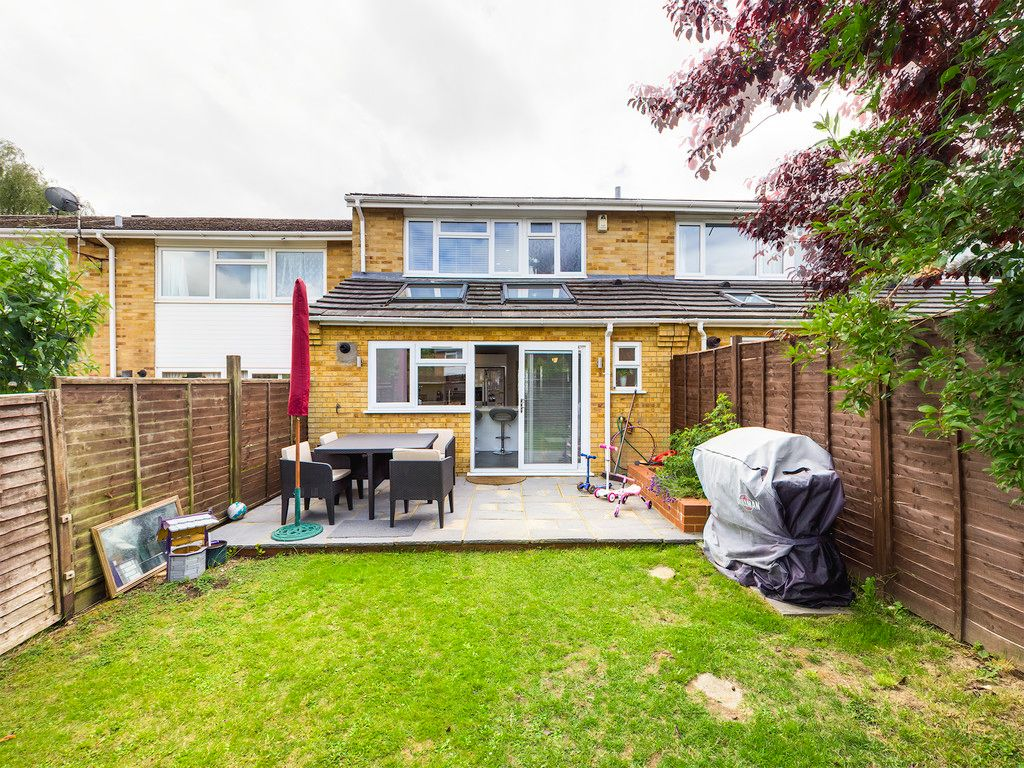 3 bed house for sale in Hawthorn Crescent, Hazlemere  - Property Image 2
