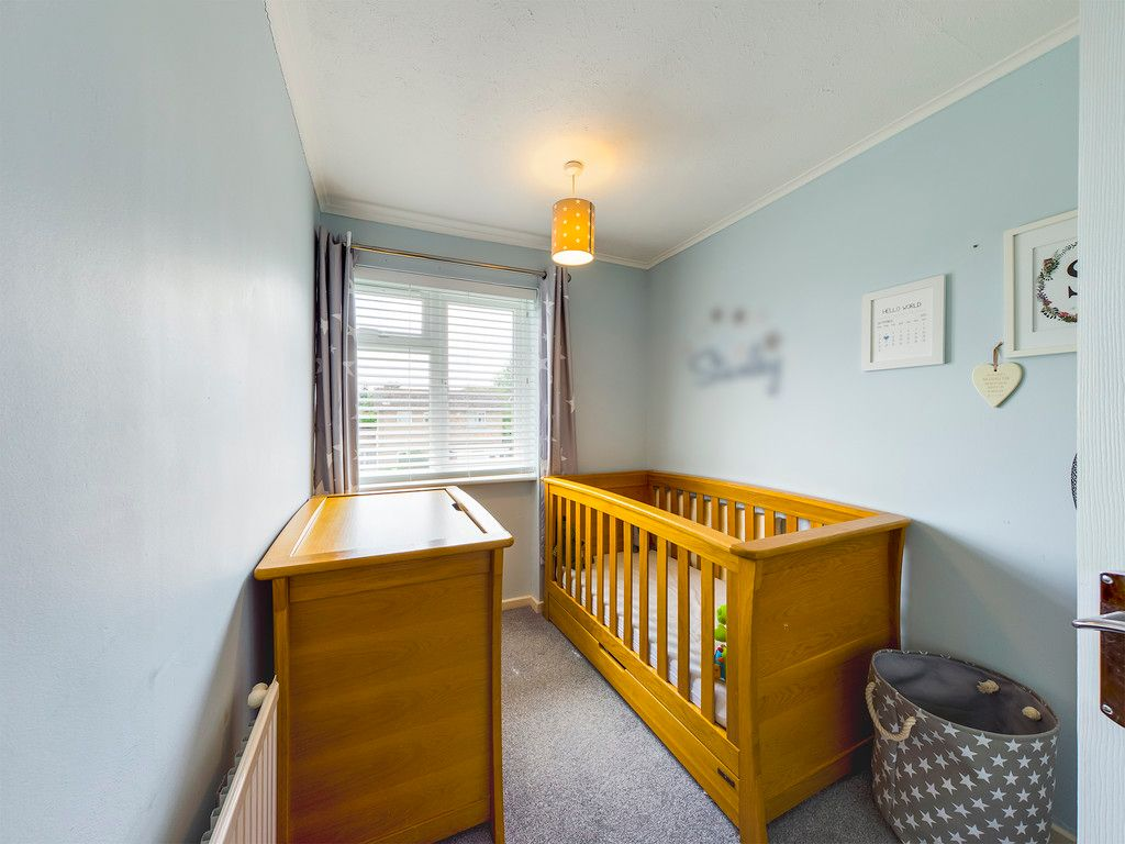 3 bed house for sale in Hawthorn Crescent, Hazlemere  - Property Image 12