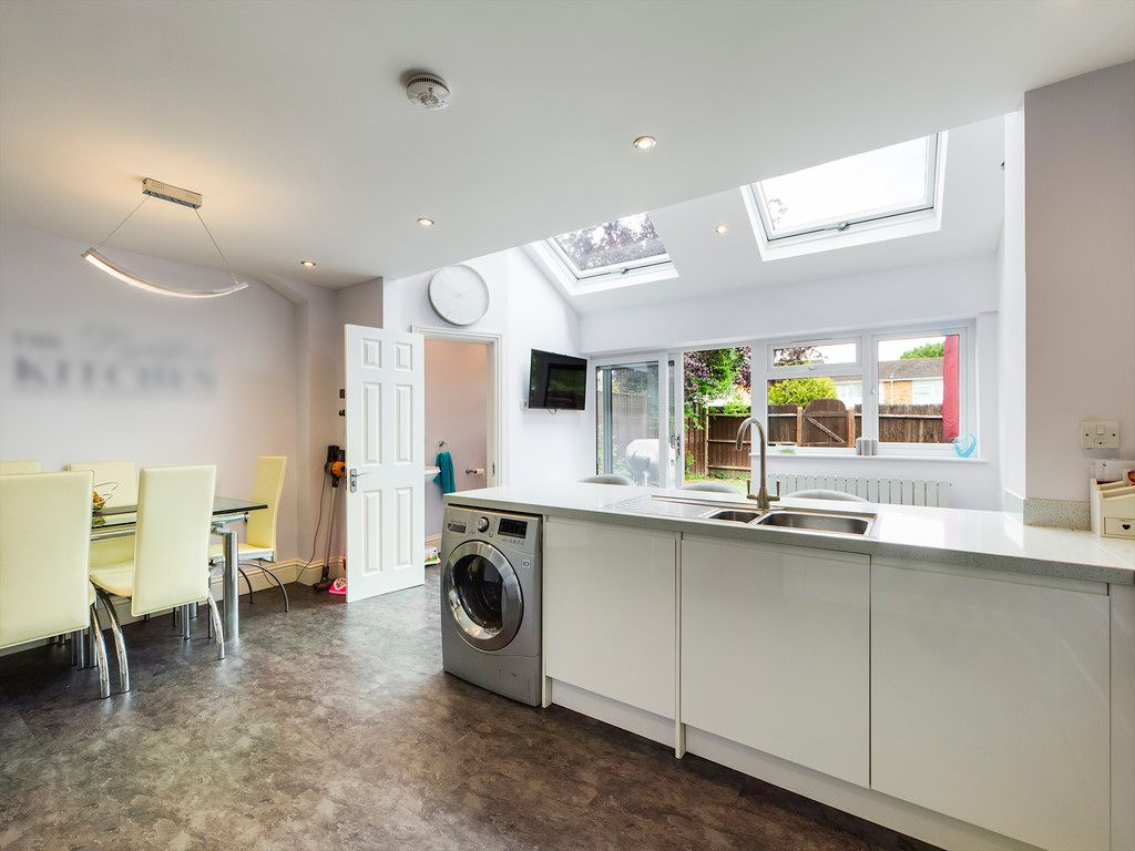 3 bed house for sale in Hawthorn Crescent, Hazlemere 13