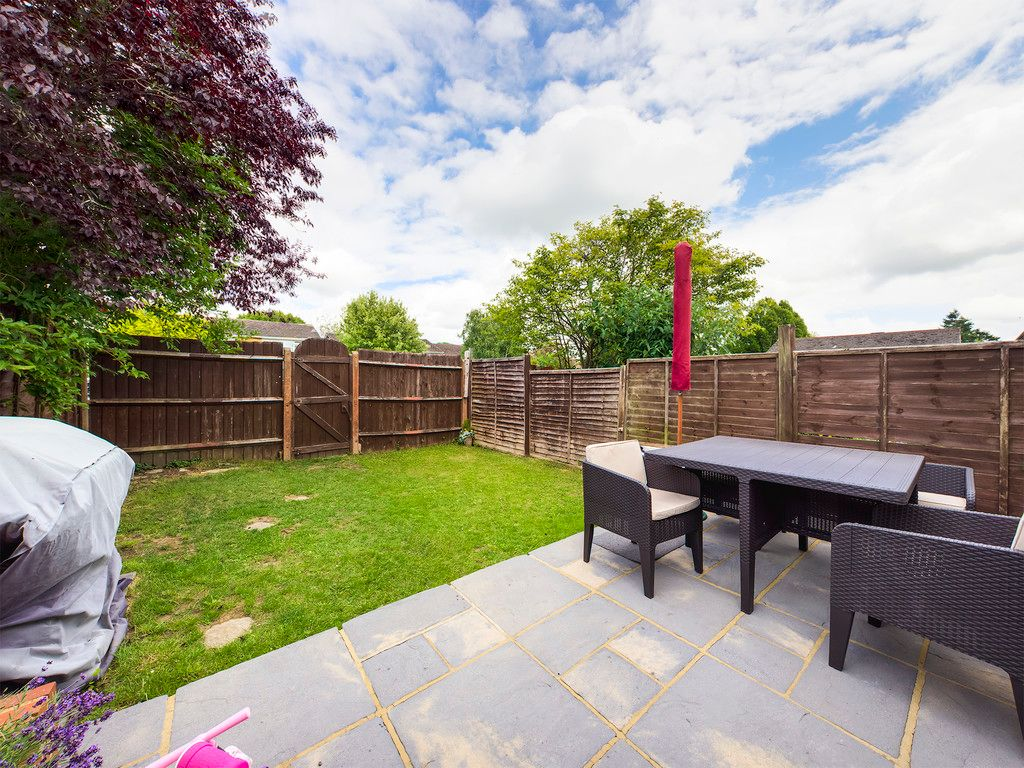 3 bed house for sale in Hawthorn Crescent, Hazlemere  - Property Image 3