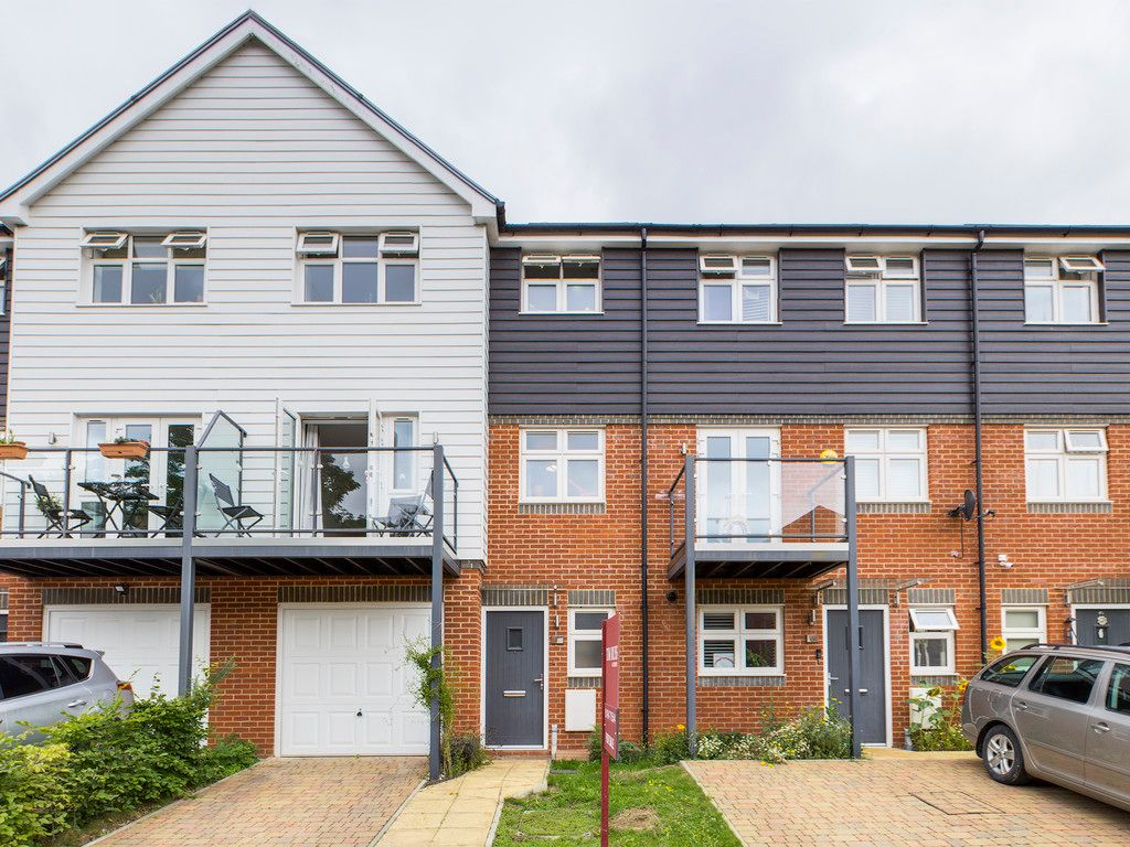 4 bed house for sale in Wyestream, Bassetsbury Lane 1