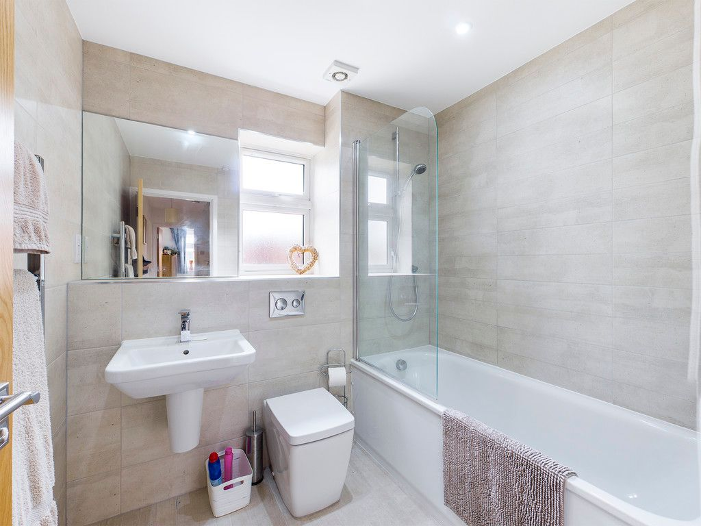 4 bed house for sale in Wyestream, Bassetsbury Lane 12