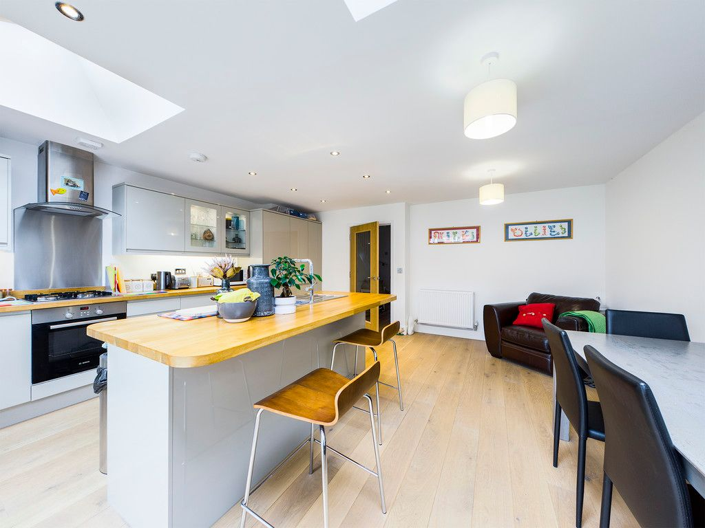 4 bed house for sale in Wyestream, Bassetsbury Lane 5