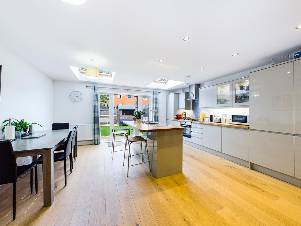 4 bed house for sale in Wyestream, Bassetsbury Lane 6