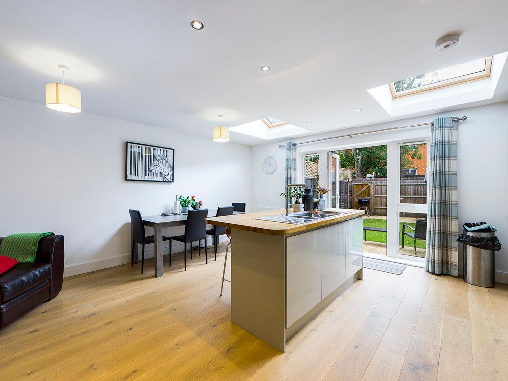 4 bed house for sale in Wyestream, Bassetsbury Lane 8