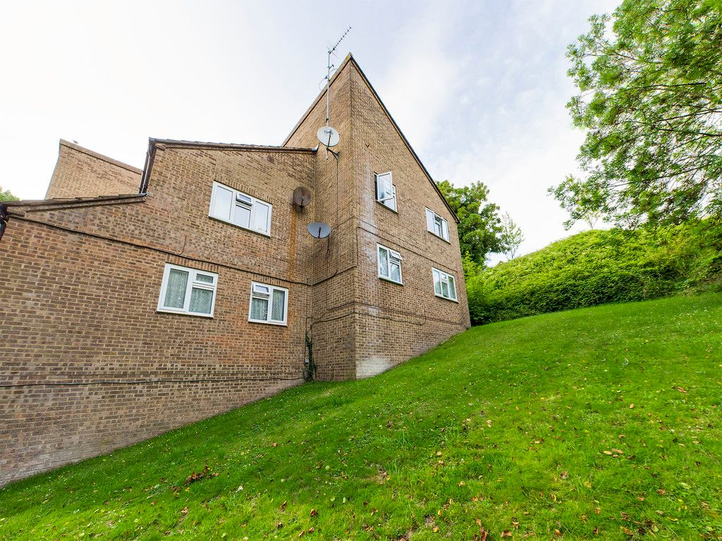 1 bed flat to rent, HP13