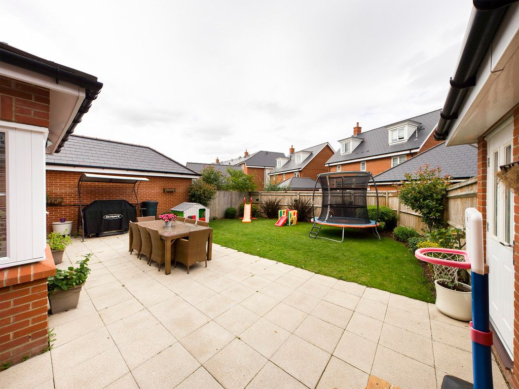 5 bed house to rent in Sierra Road, High Wycombe  - Property Image 21