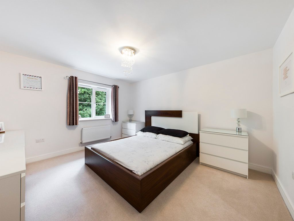 5 bed house to rent in Sierra Road, High Wycombe  - Property Image 9