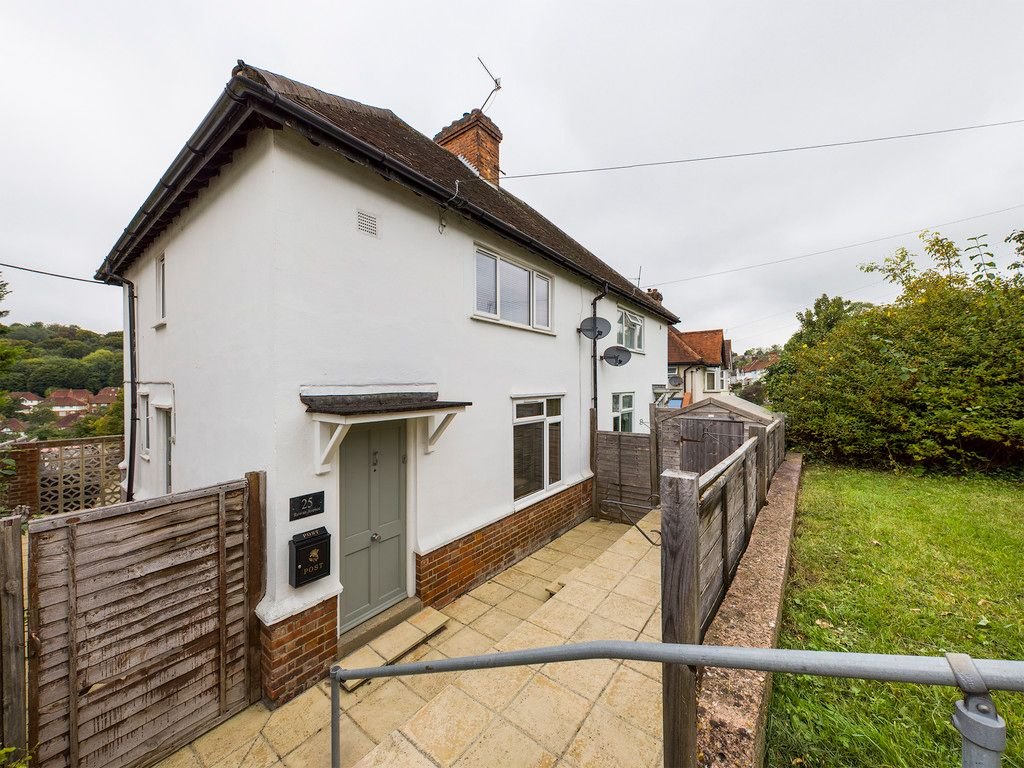 3 bed house for sale in Rowan Avenue, High Wycombe, HP13
